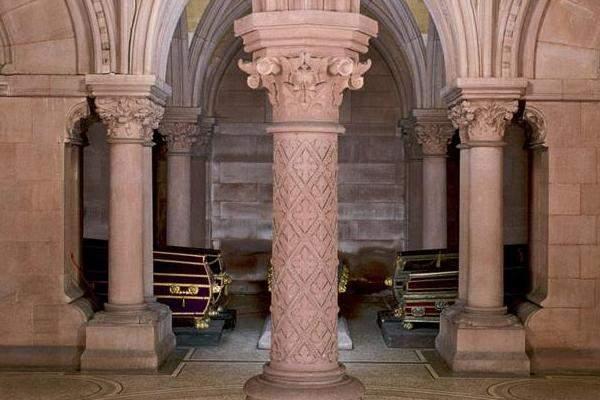 Gruft der Großherzoglichen Grabkapelle Karlsruhe; Foto: Staatliche Schlösser und Gärten Baden-Württemberg, Urheber unbekannt