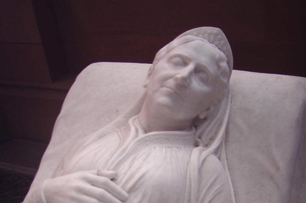 Grabmal der Großherzogin Luise von Baden in der Großherzoglichen Grabkapelle Karlsruhe; Foto: Staatliche Schlösser und Gärten Baden-Württemberg, Helene Seifert